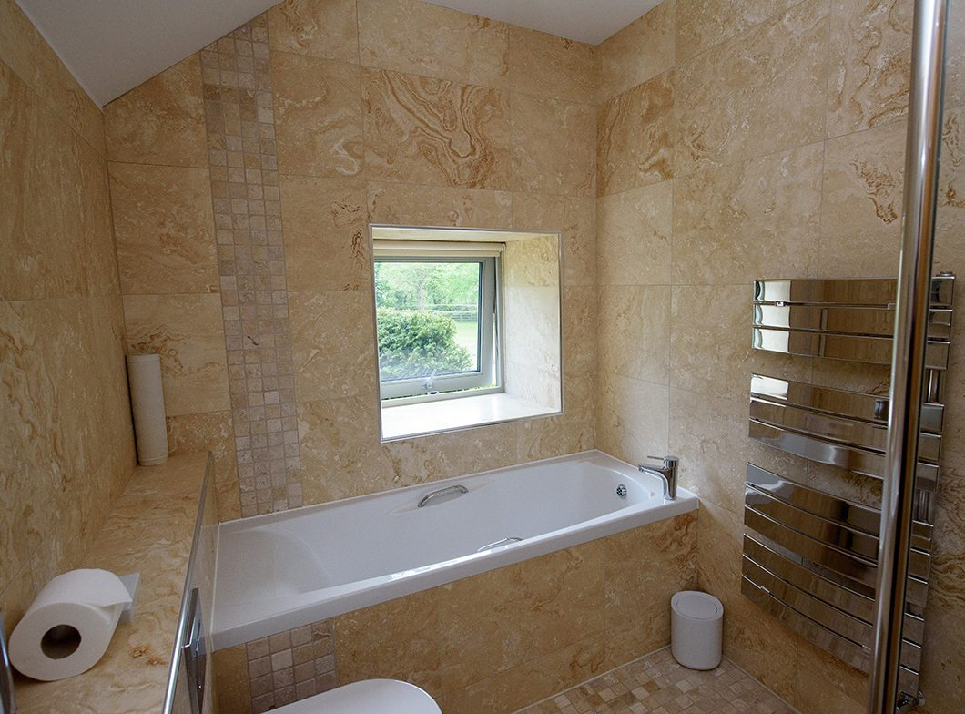 Cottage Bathrom